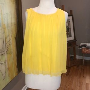 NWT ALICE AND OLIVIA YELLOW SILK FLOWY TOP